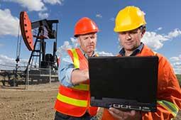 ConstructionWorkersonLaptop