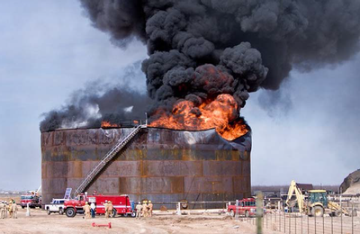 Storage tank burns at Navajo Oil Refinery