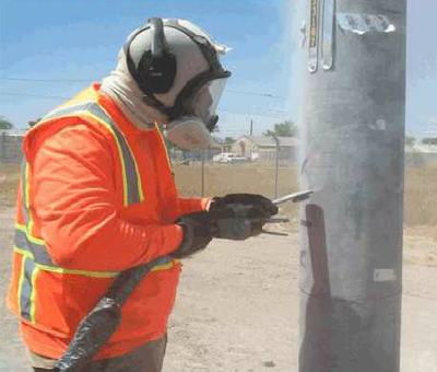 Graffiti Protective Coatings - worker