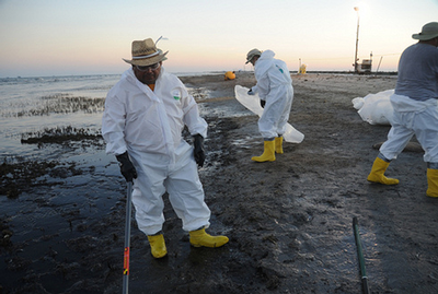 Deepwater Horizon cleanup workers