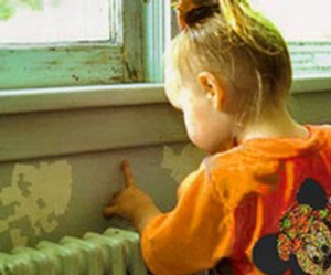 child and paint