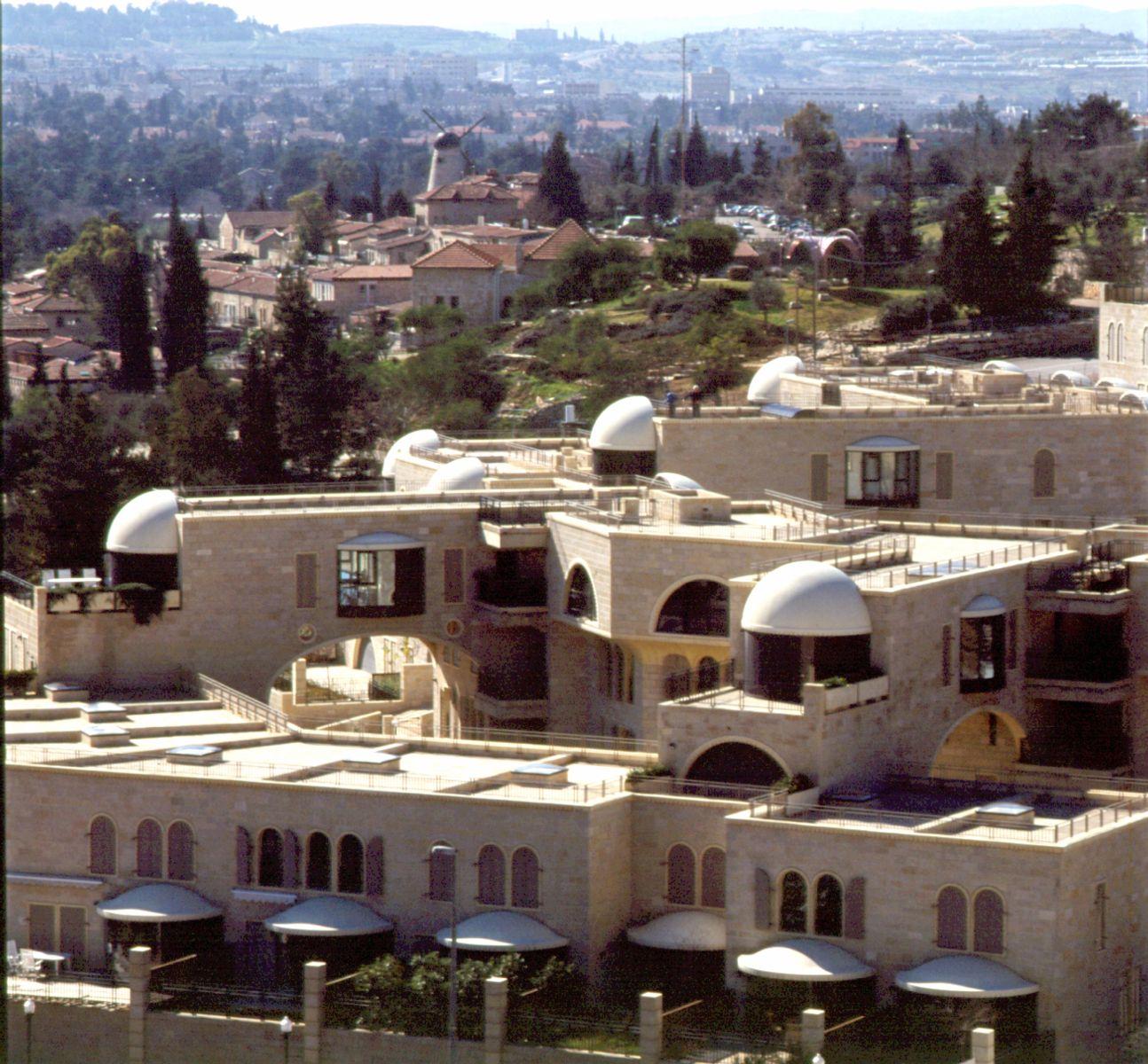 Mamilla Center