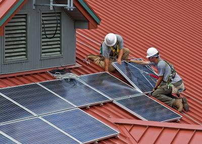 Navigant ZEB solar panels