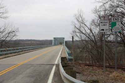 Bridge over Green River