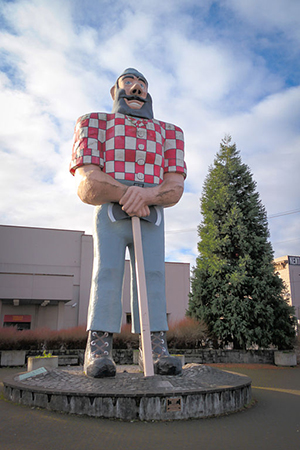 Portland, OR's Paul Bunyan Statue